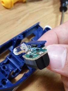 ハッピーセットプラレール電池交換12